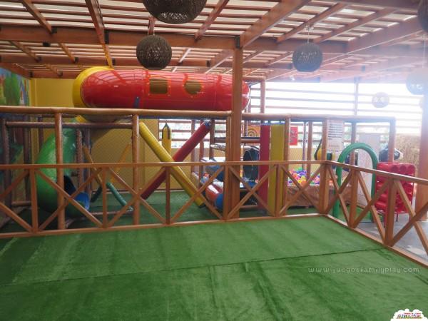 playground laberinto juegos polleria granja linda