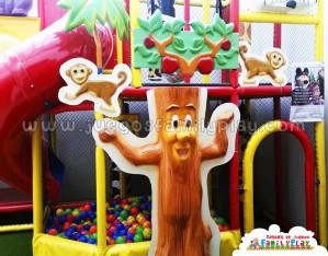 Playground laberinto juegos para Polleria Modelo Arbol