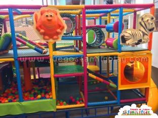 Playground laberinto juegos para Polleria Modelo Santa Martha